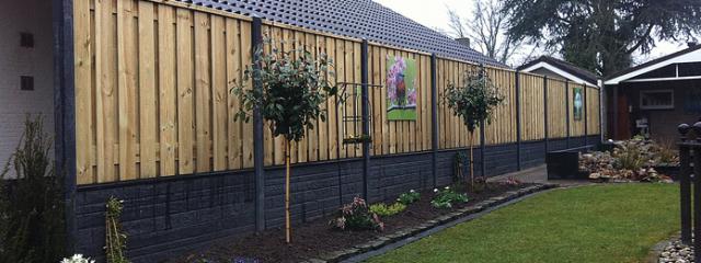 Combinatie Beton En Verduurzaamd Naaldhout